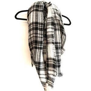 Modcloth black and white Plaid Blanket Scarf